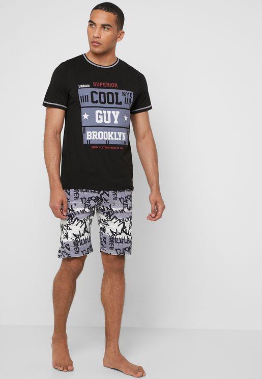 Graphic  T-Shirt Short Pyjama Set