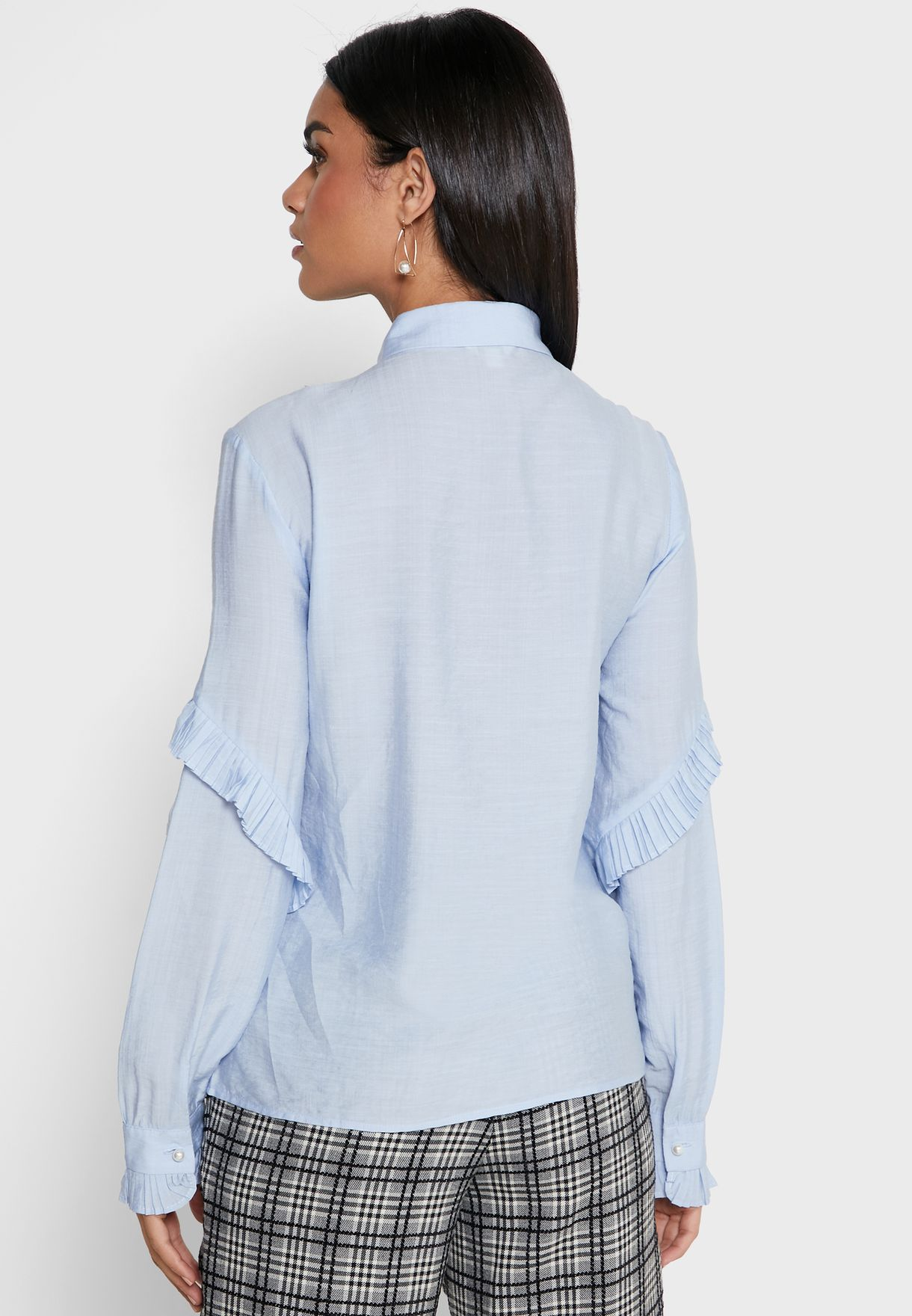قميص مزين ببروش