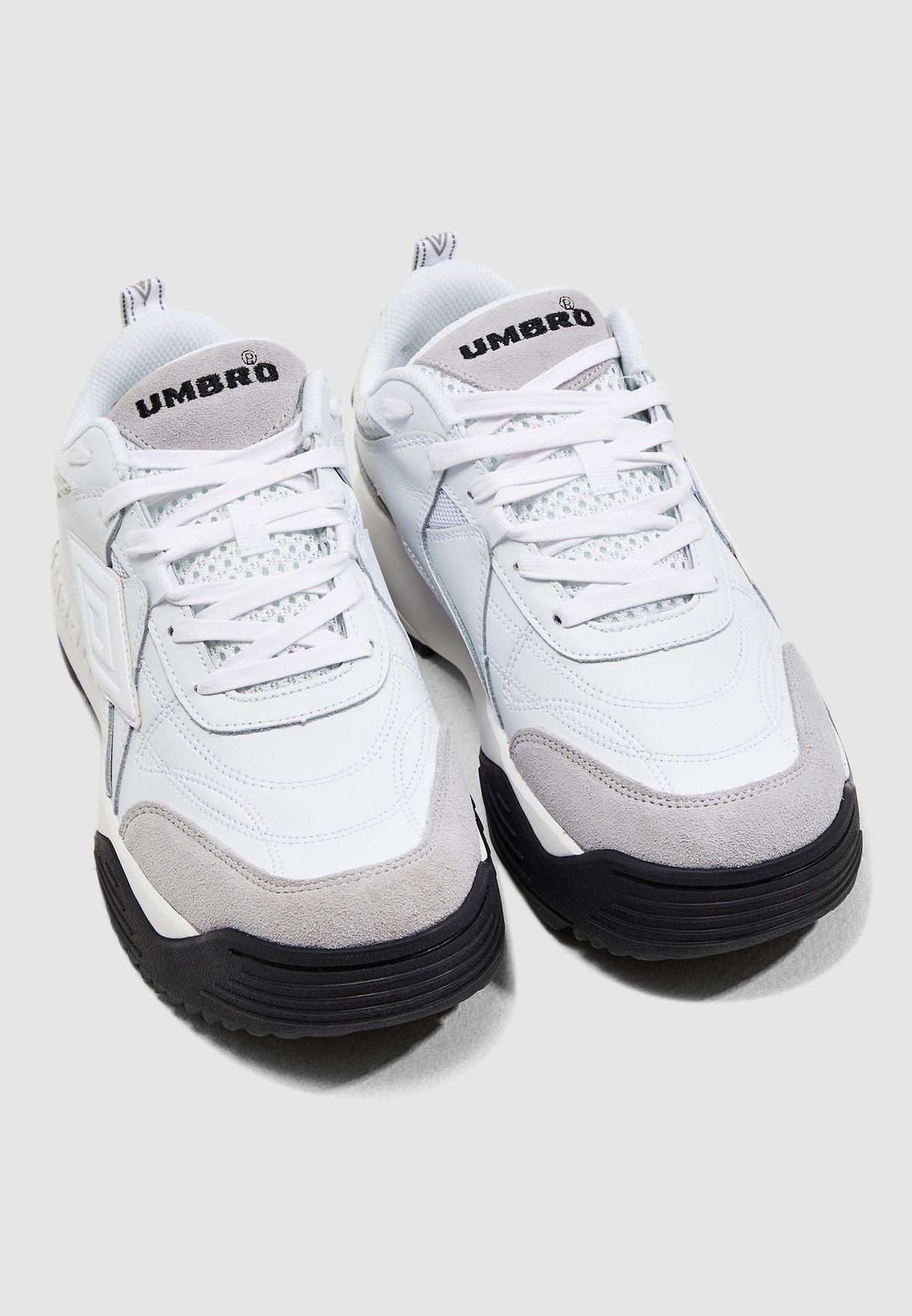 حذاء ماكسيما