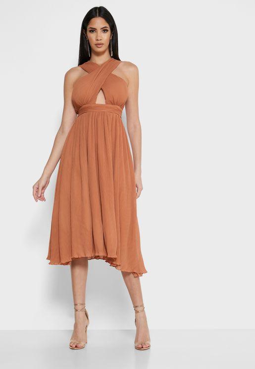 فستان مزين بفتحة امامية