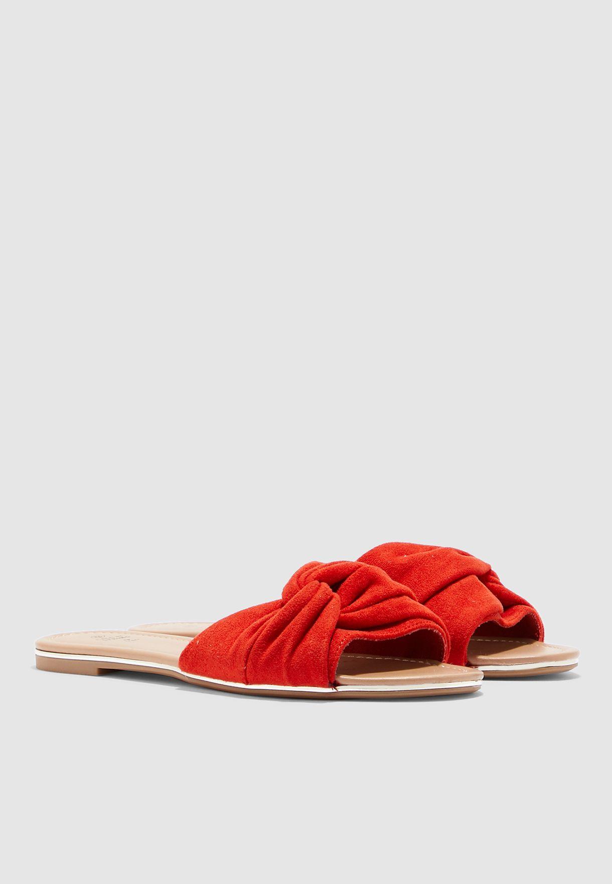 Andoria Flat Sandal