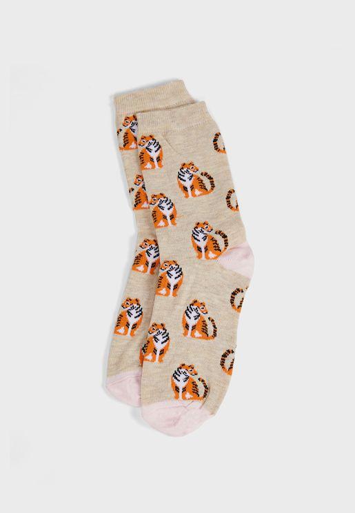 جوارب بطبعات نمر