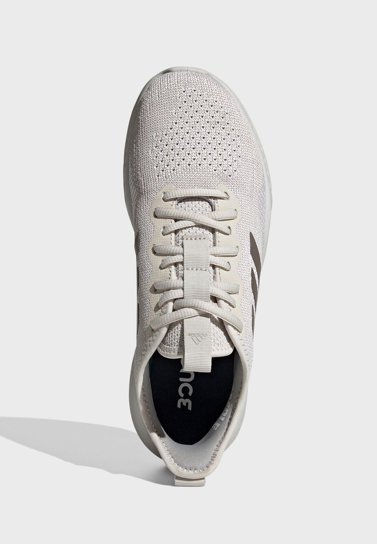 حذاء فلويد فلو