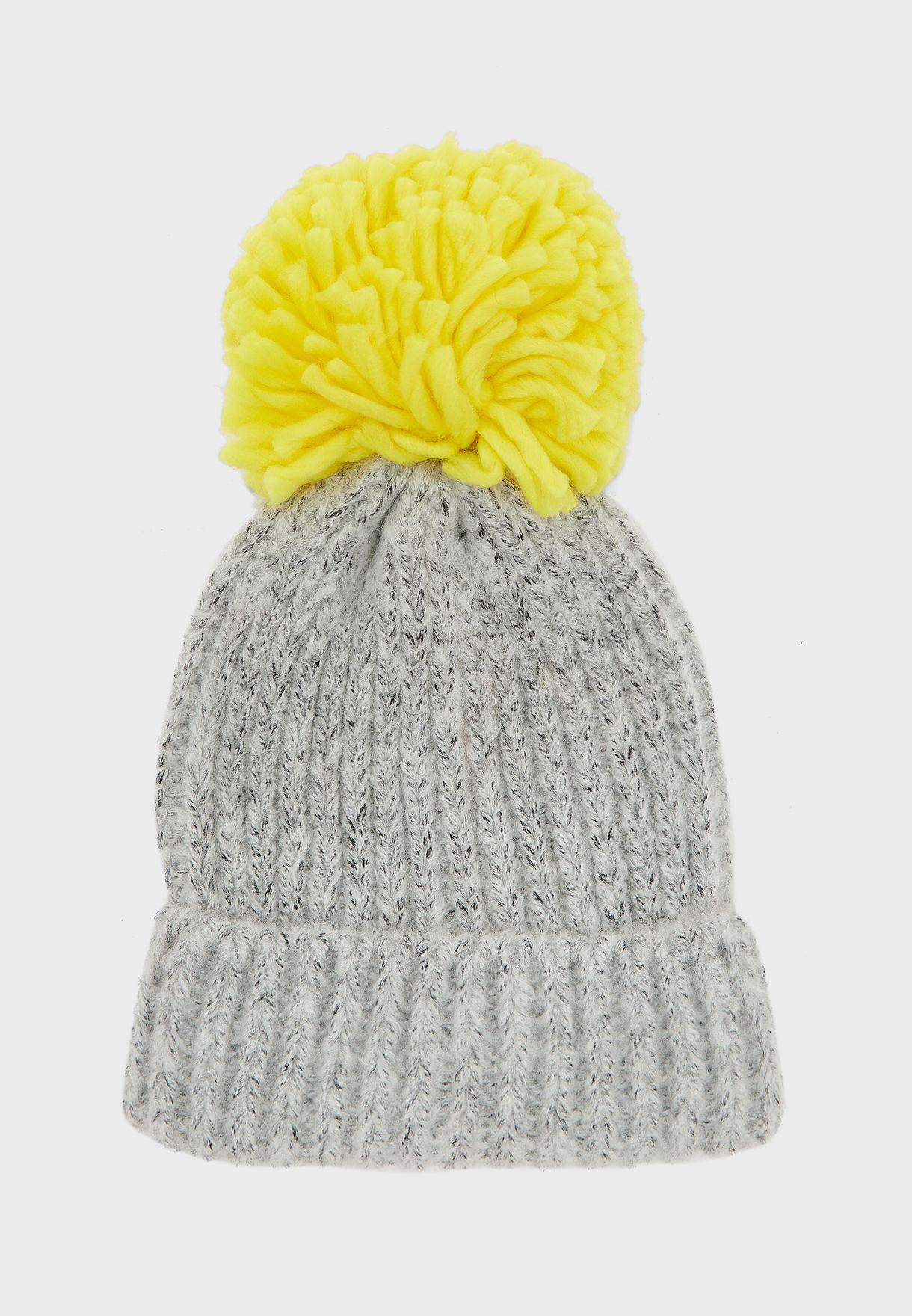 قبعة بوم بوم