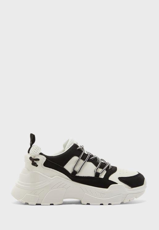 Sarah Low Top Sneaker