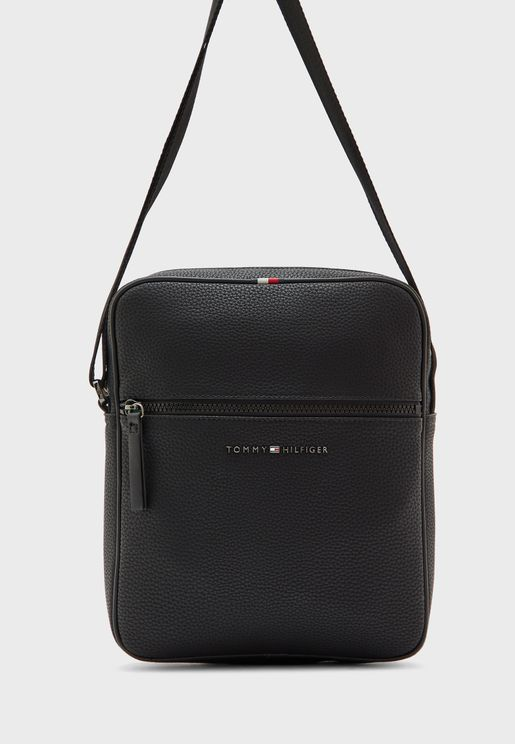Essential Messenger Bag