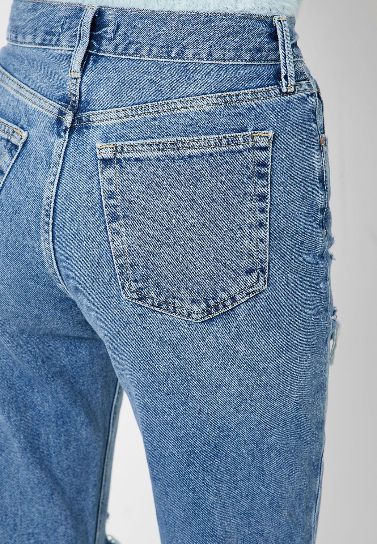 جينز كلاسيكي قصير