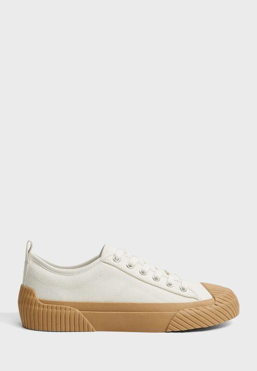 Hank Low Top Sneaker