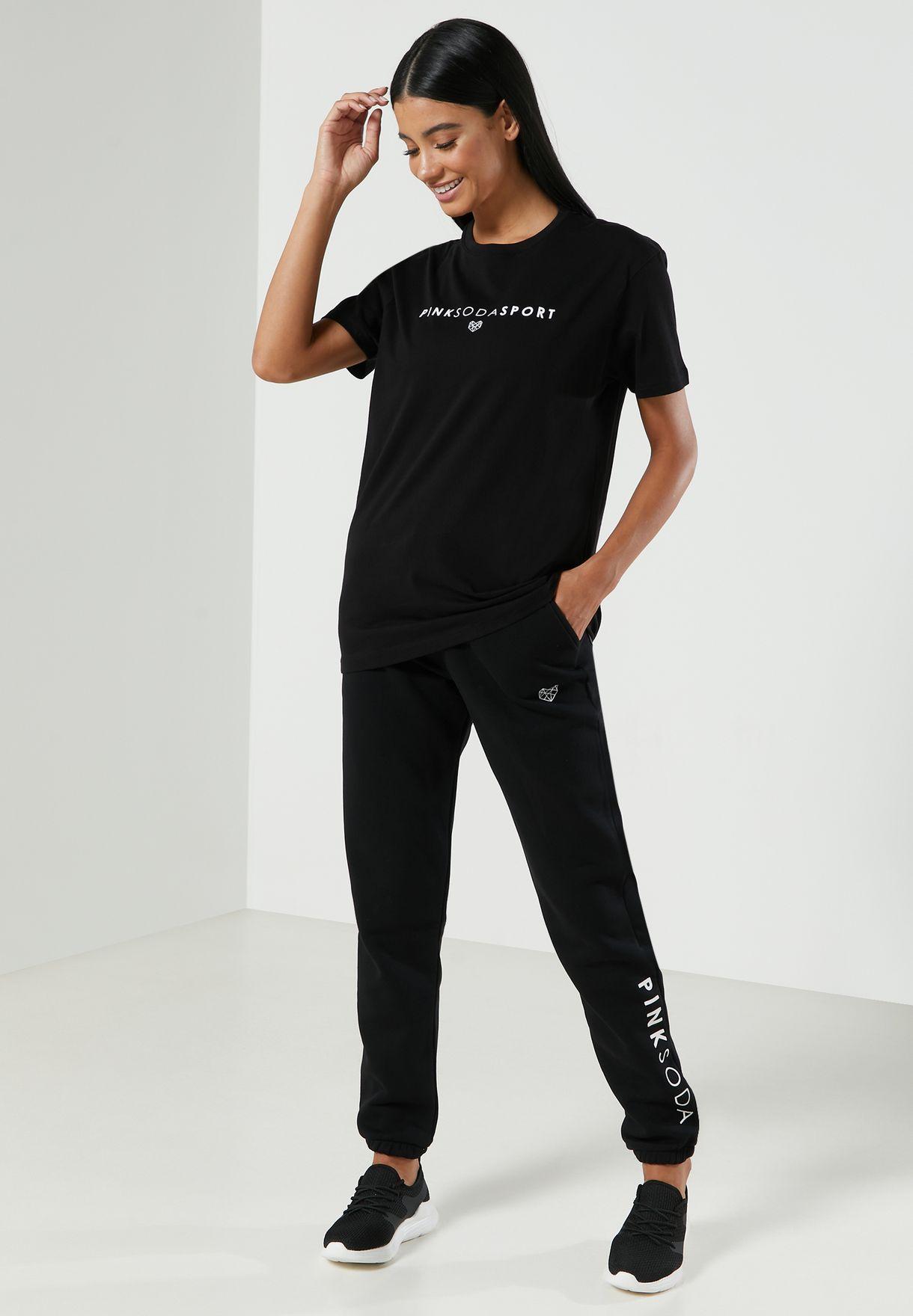 Cora Boyfriend T-Shirt
