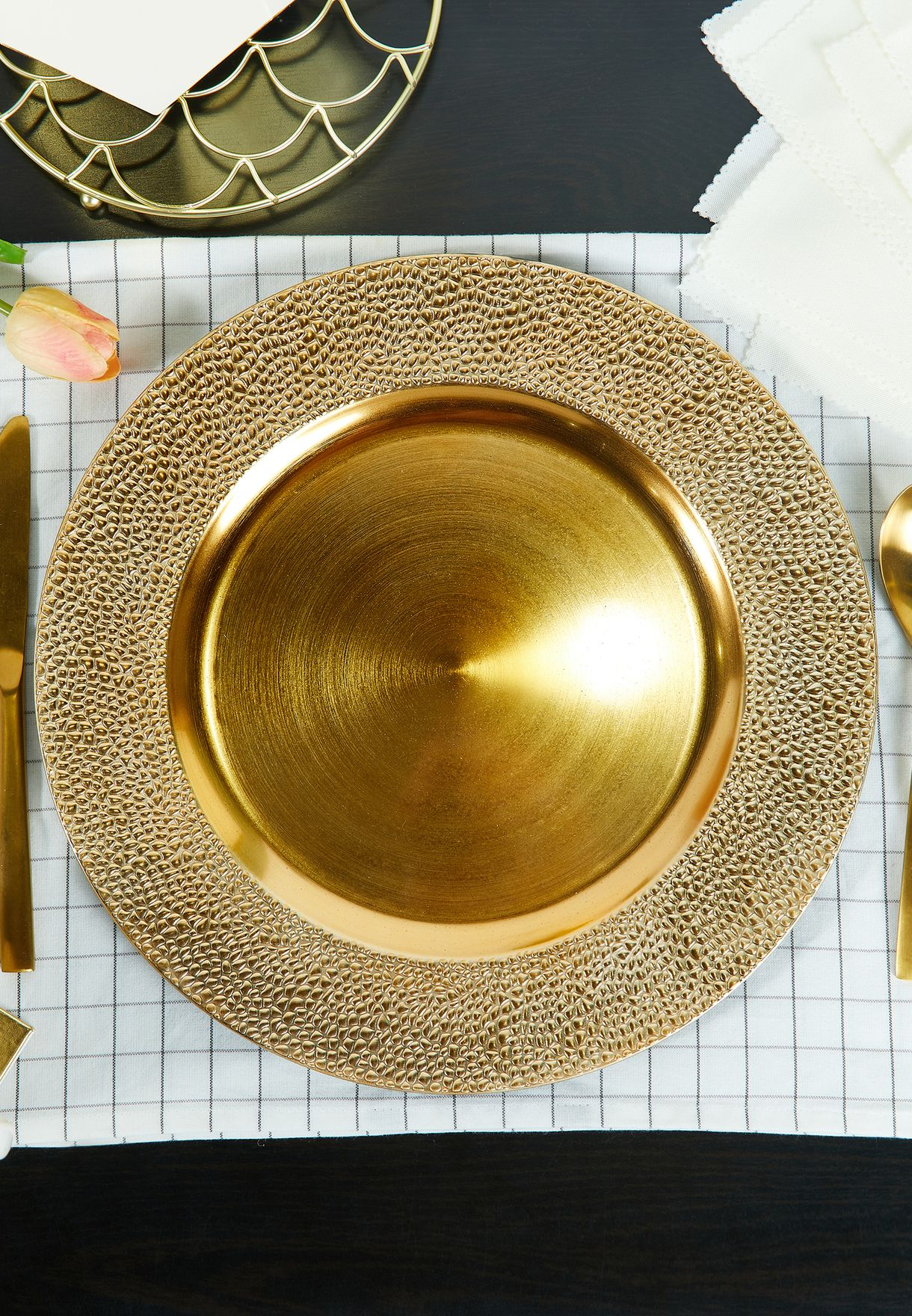 Dia Gold Charger Plate Hammered Finish 33cm
