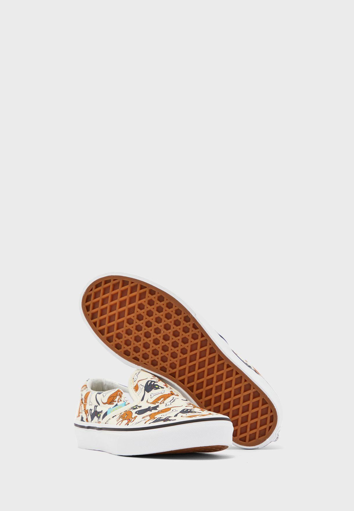 حذاء من مجموعة  ذا سيمبسونز