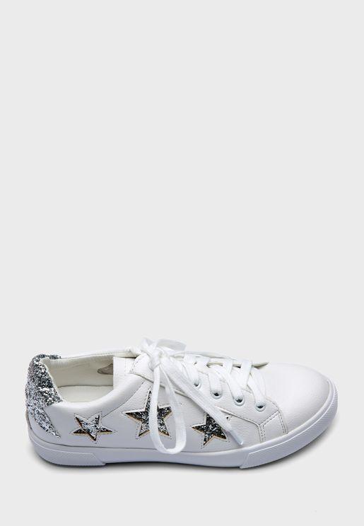 حذاء سنيكرزمزين بنجوم لامعة