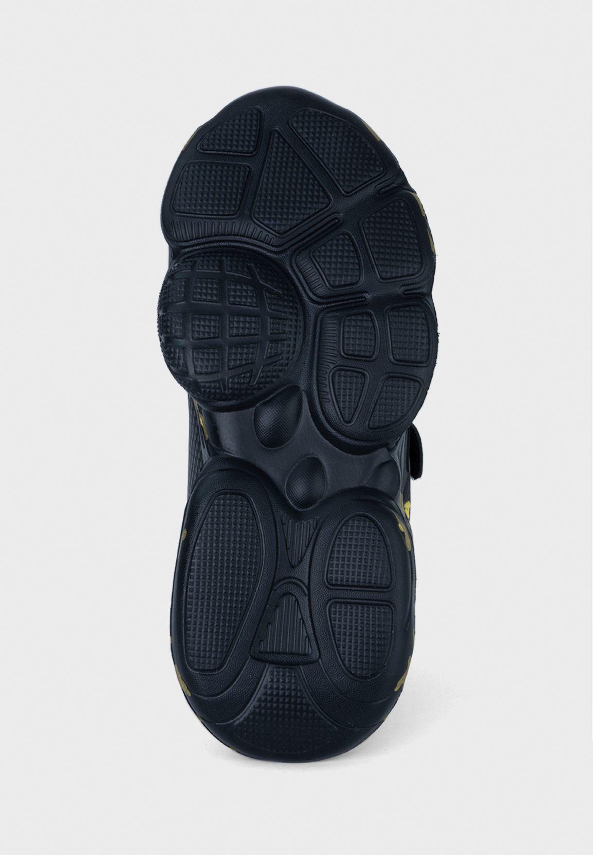 حذاء سنيكرز لينكون