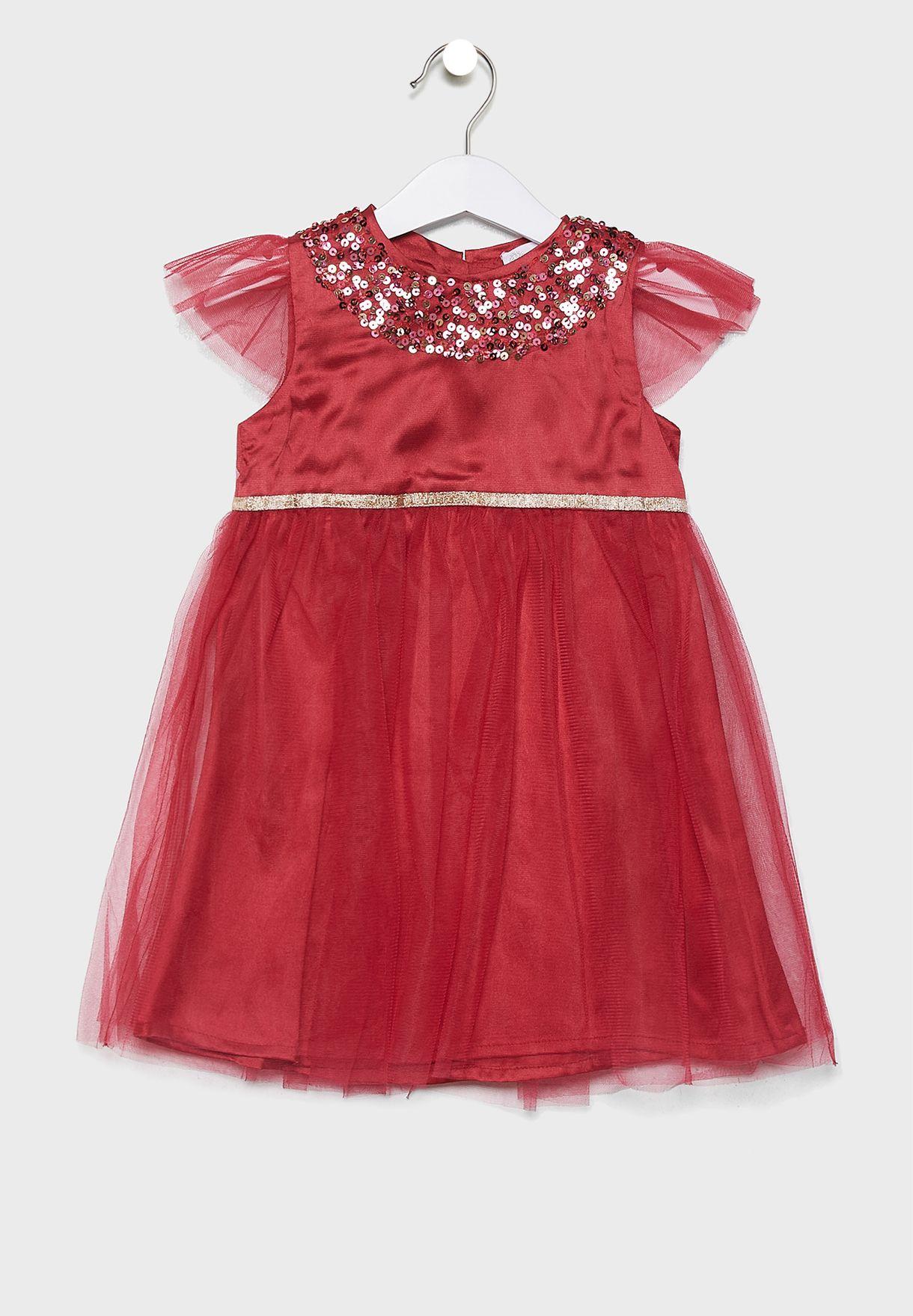 فستان احمر مخملي مرصع بترتر