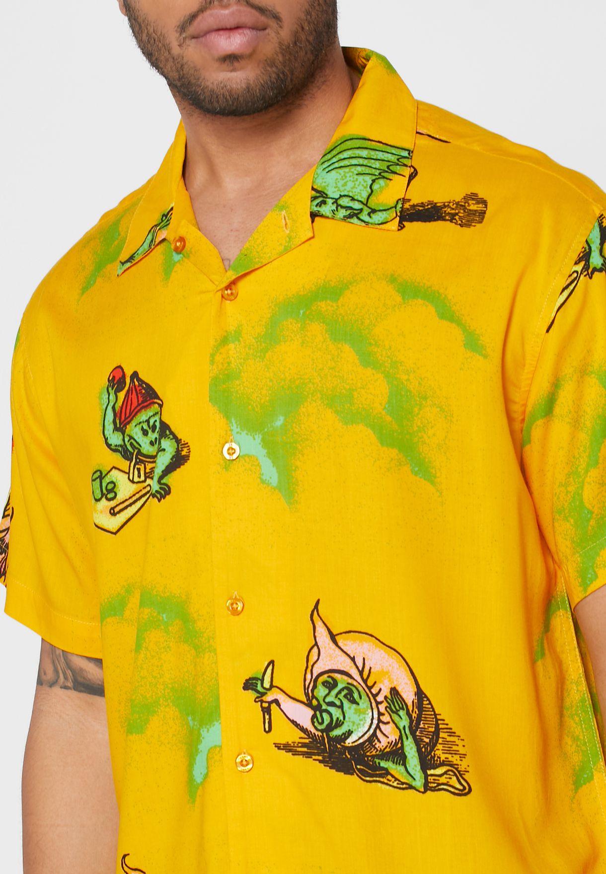 قميص مزين بطبعات جرافيك