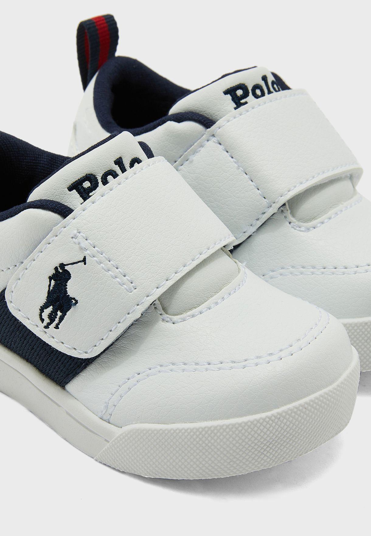 حذاء سنيكرز بشريط فلكرو