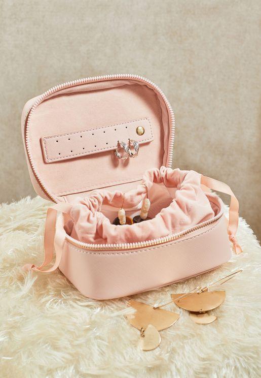 صندوق بسحاب لحفظ المجوهرات