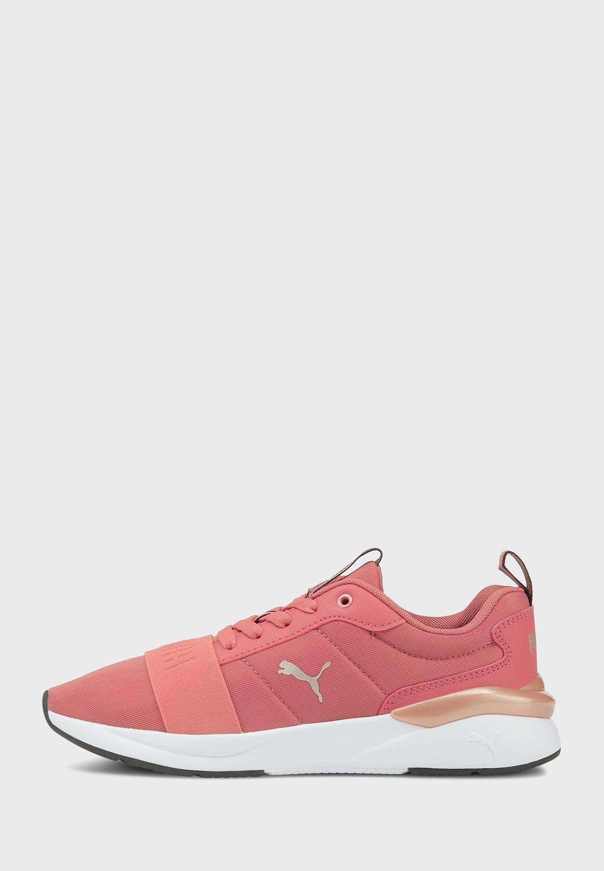 حذاء روز بلاس