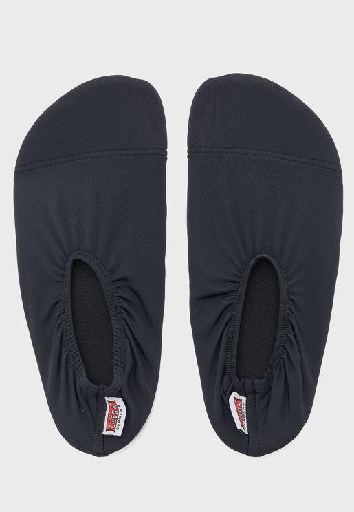 حذاء كاجوال للمسبح