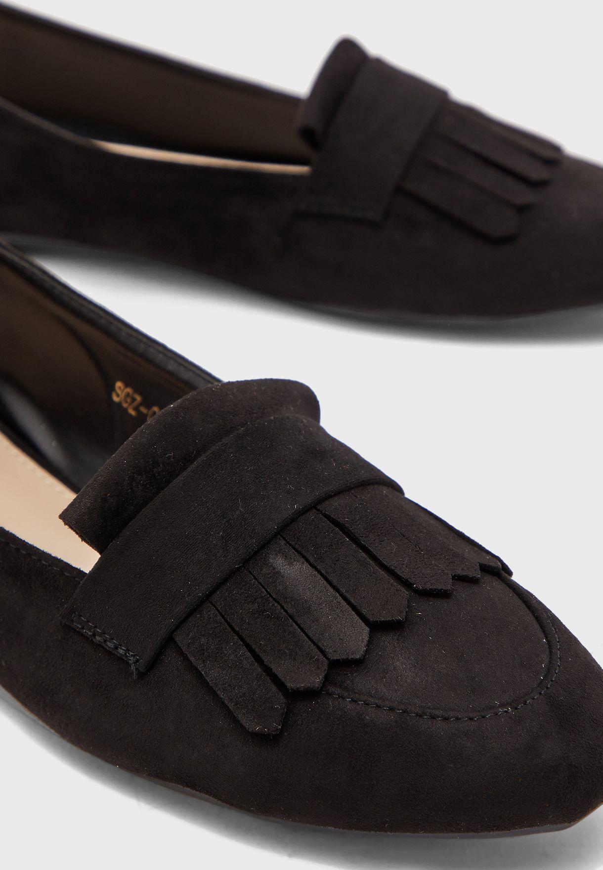 حذاء لوفر بشراشيب