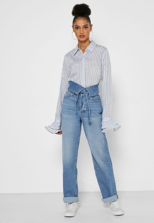 جينز بخصر عالي وعقدة