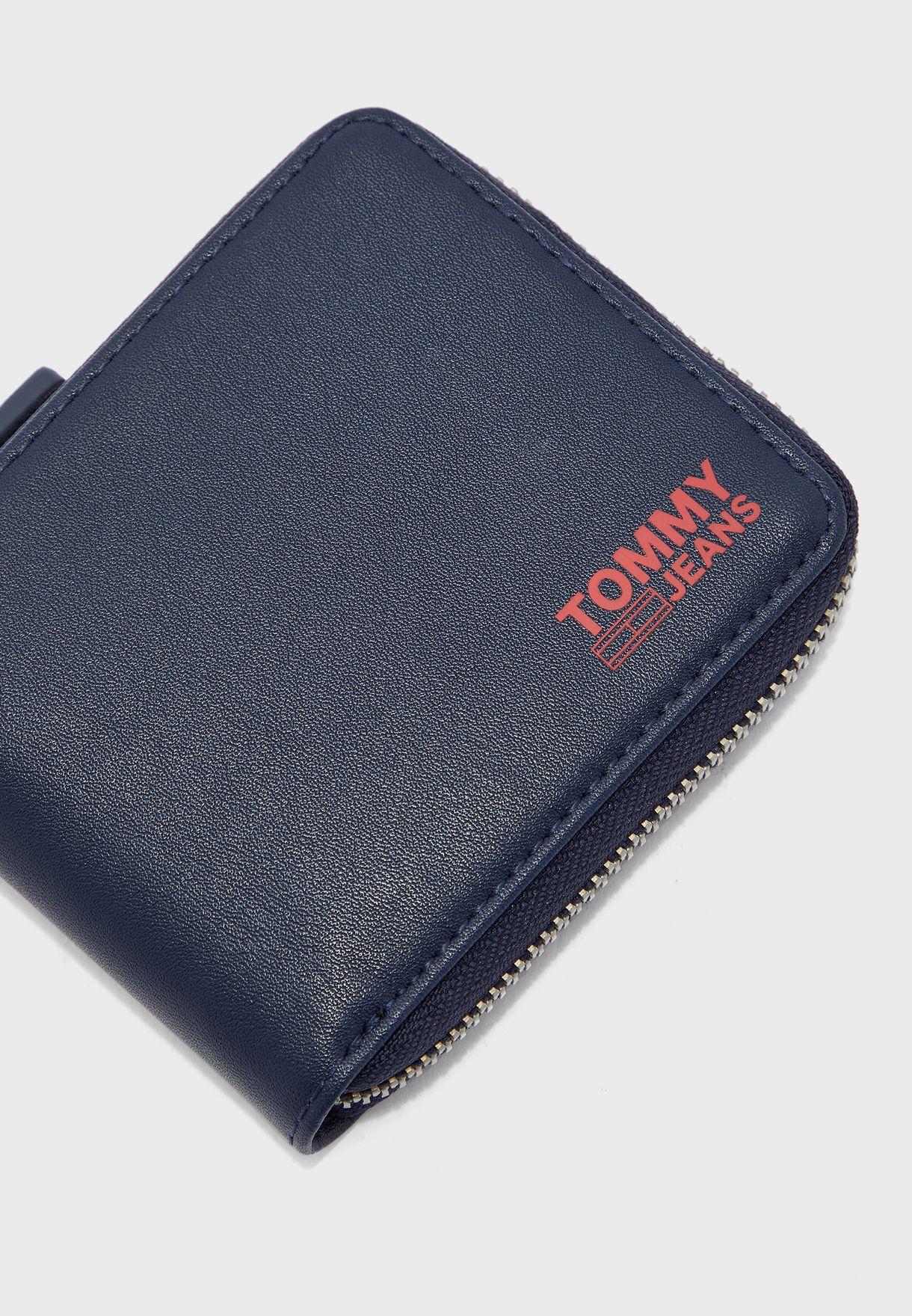 محفظة جلد عصرية