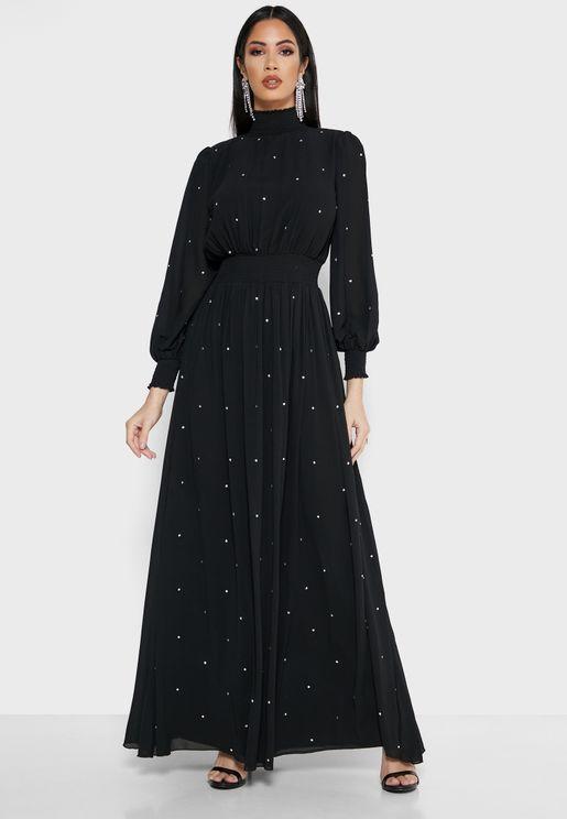 فستان مكسي مزين بأحجار الراين