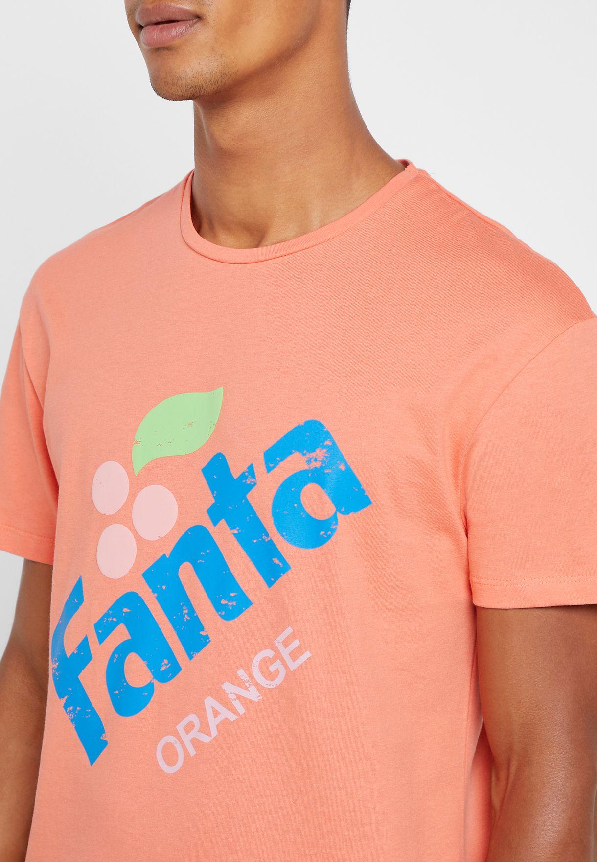 """تيشيرت بطبعة """"فانتا"""""""