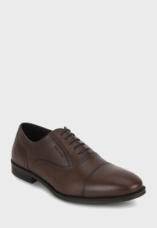 حذاء باربطة