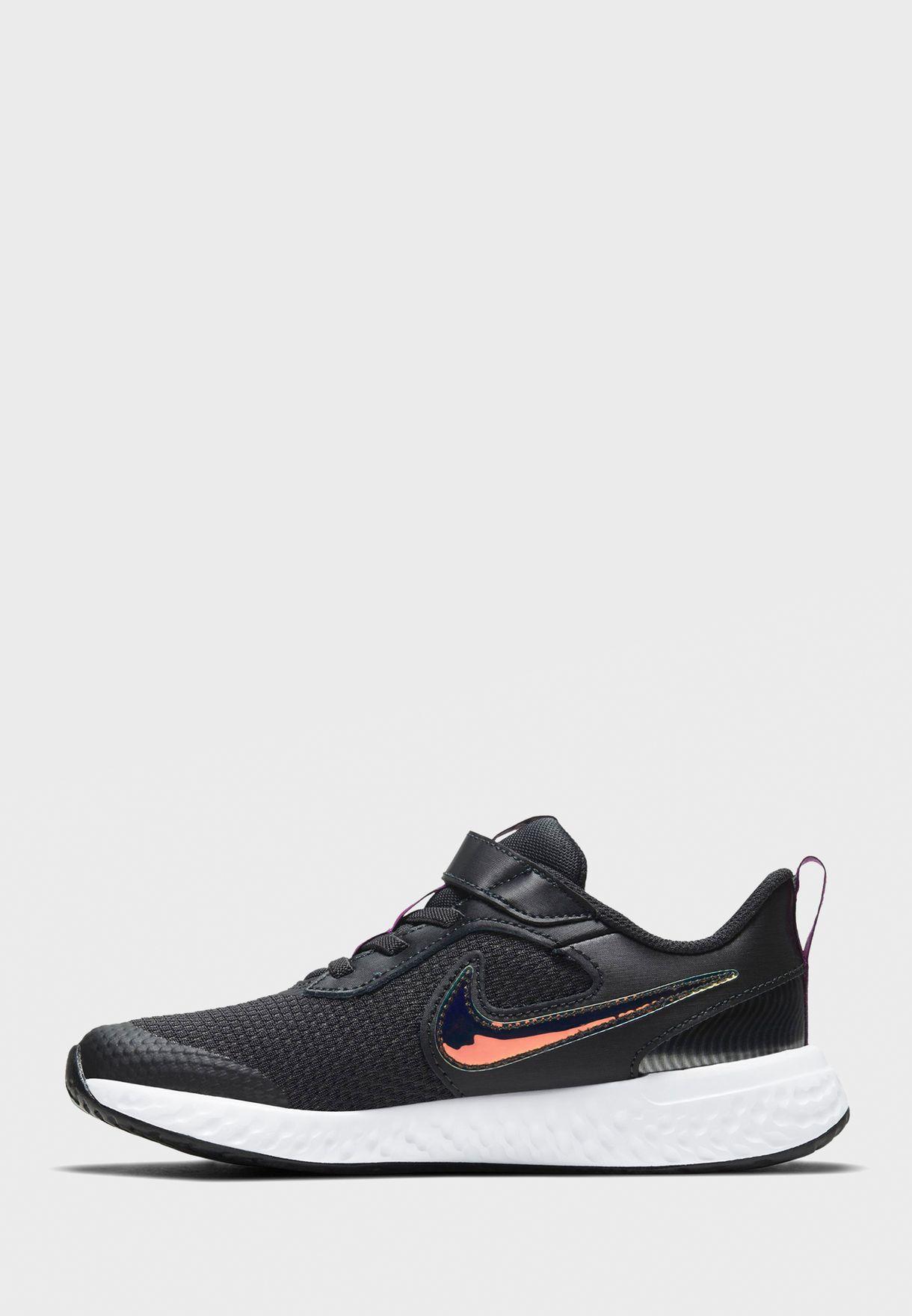 حذاء ريفولوشن 5 باور