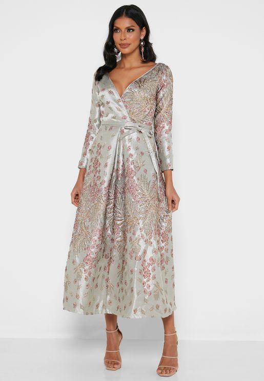 فستان جاكار بنمط لف
