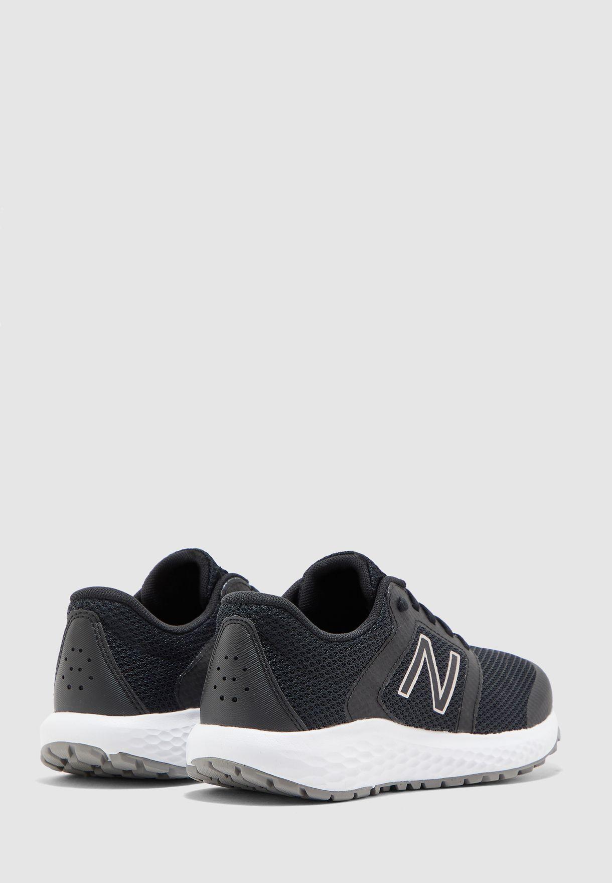 حذاء رياضة 420