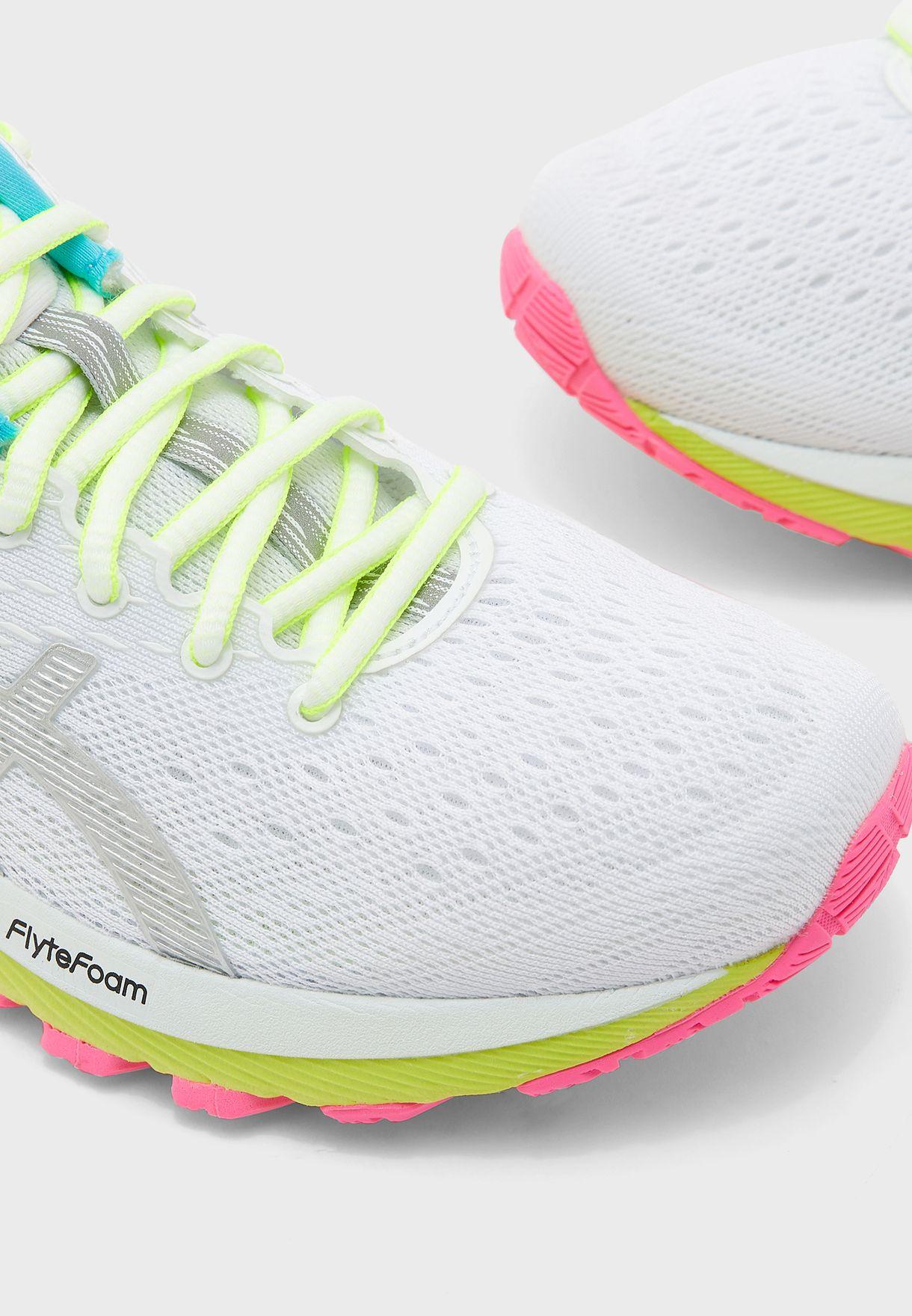 حذاء جيل كومولوس 22 لايت شو