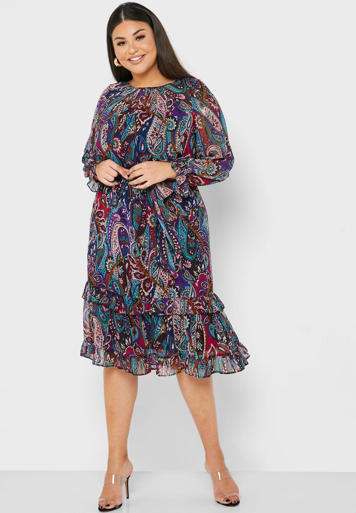 فستان بطبعات بيسلي