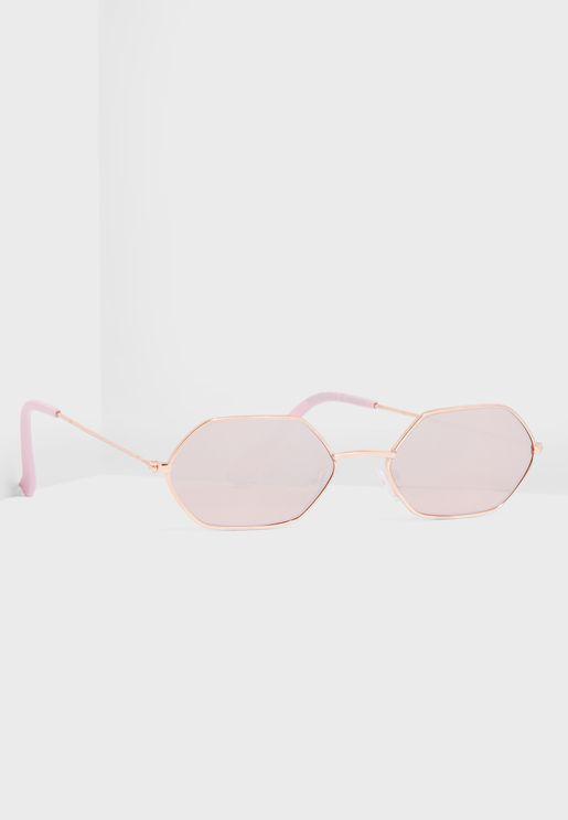 1a387f5e51435 نظارات شمسية نسائية 2019 - نمشي قطر