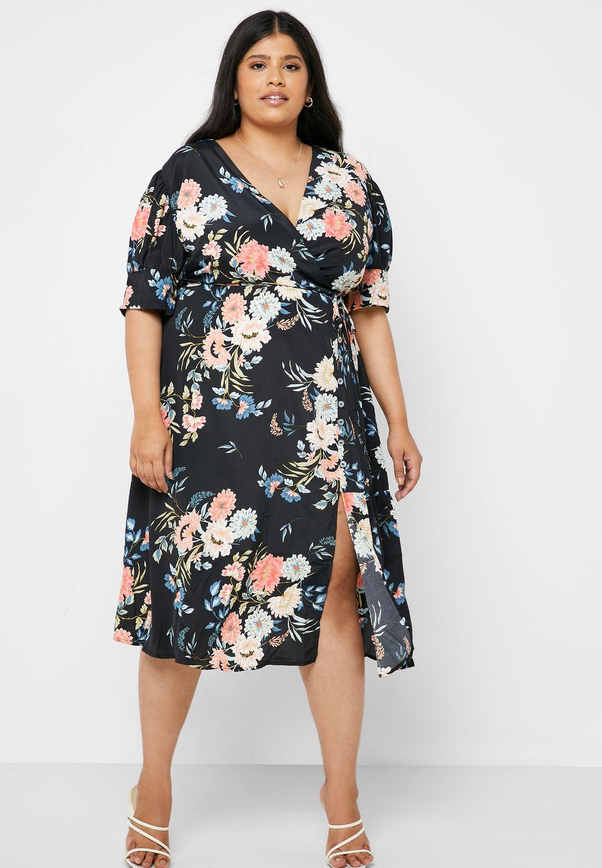 فستان مطبع وبنمط لف