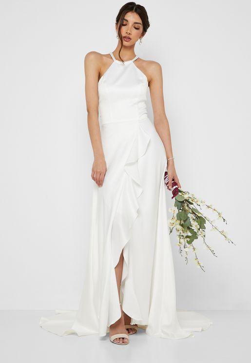 فستان زفاف بتداخل كشكش