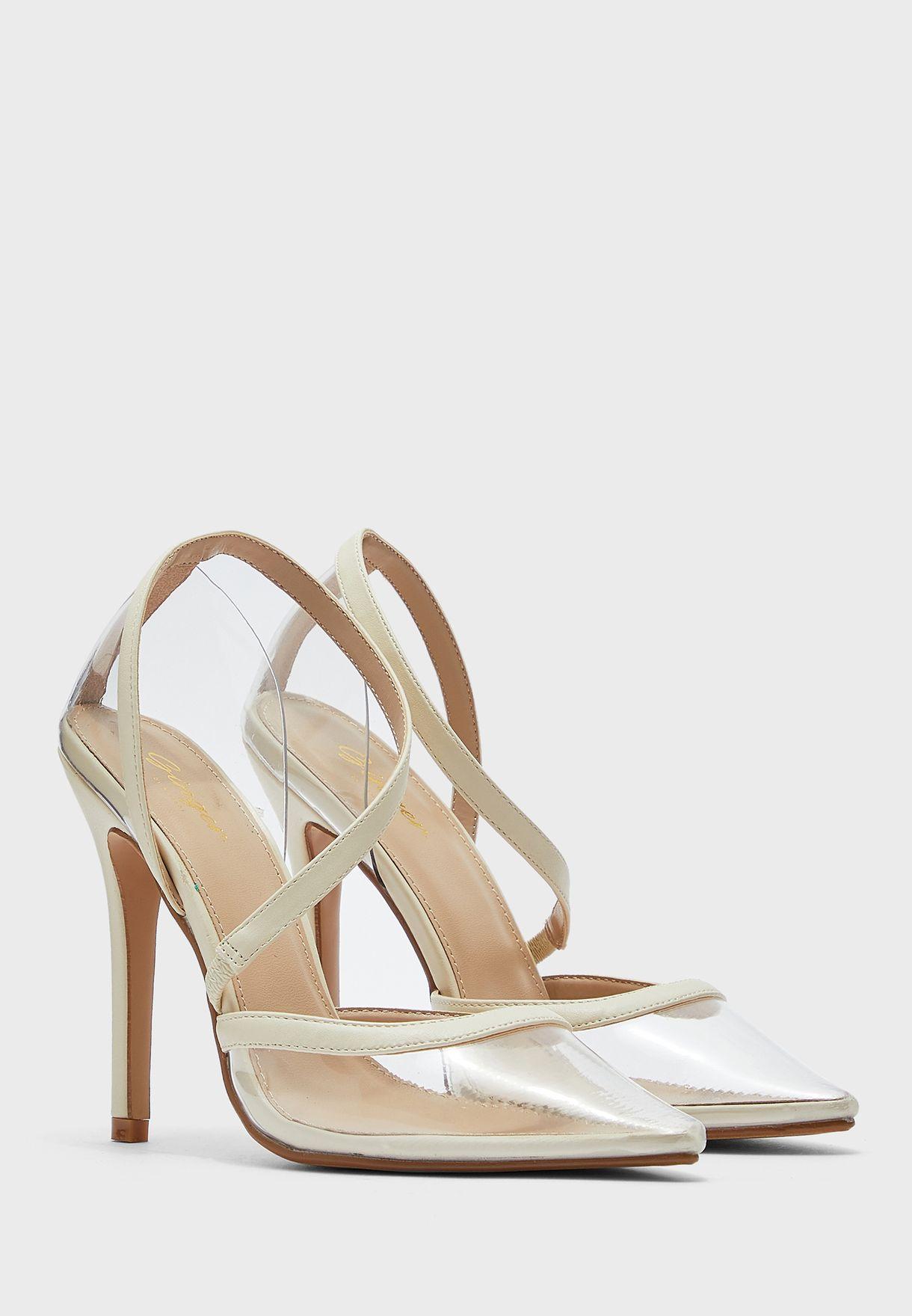 حذاء شفاف بسيور
