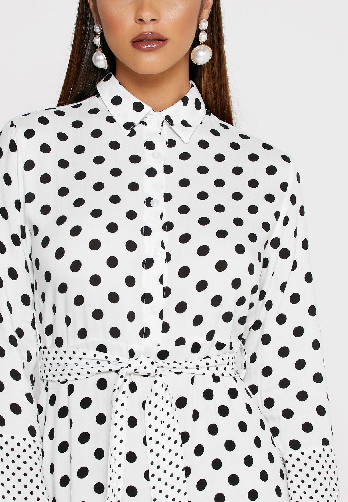 فستان مكسي بأربطة وطبعات نقاط بولكا