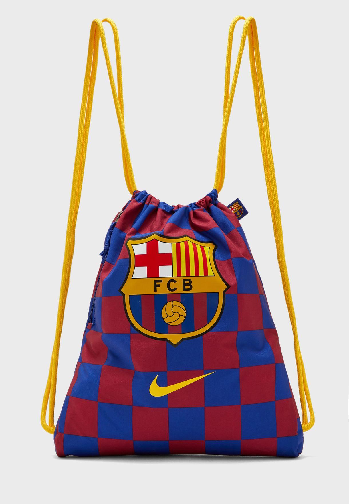 شنطة بشعار نادي برشلونة