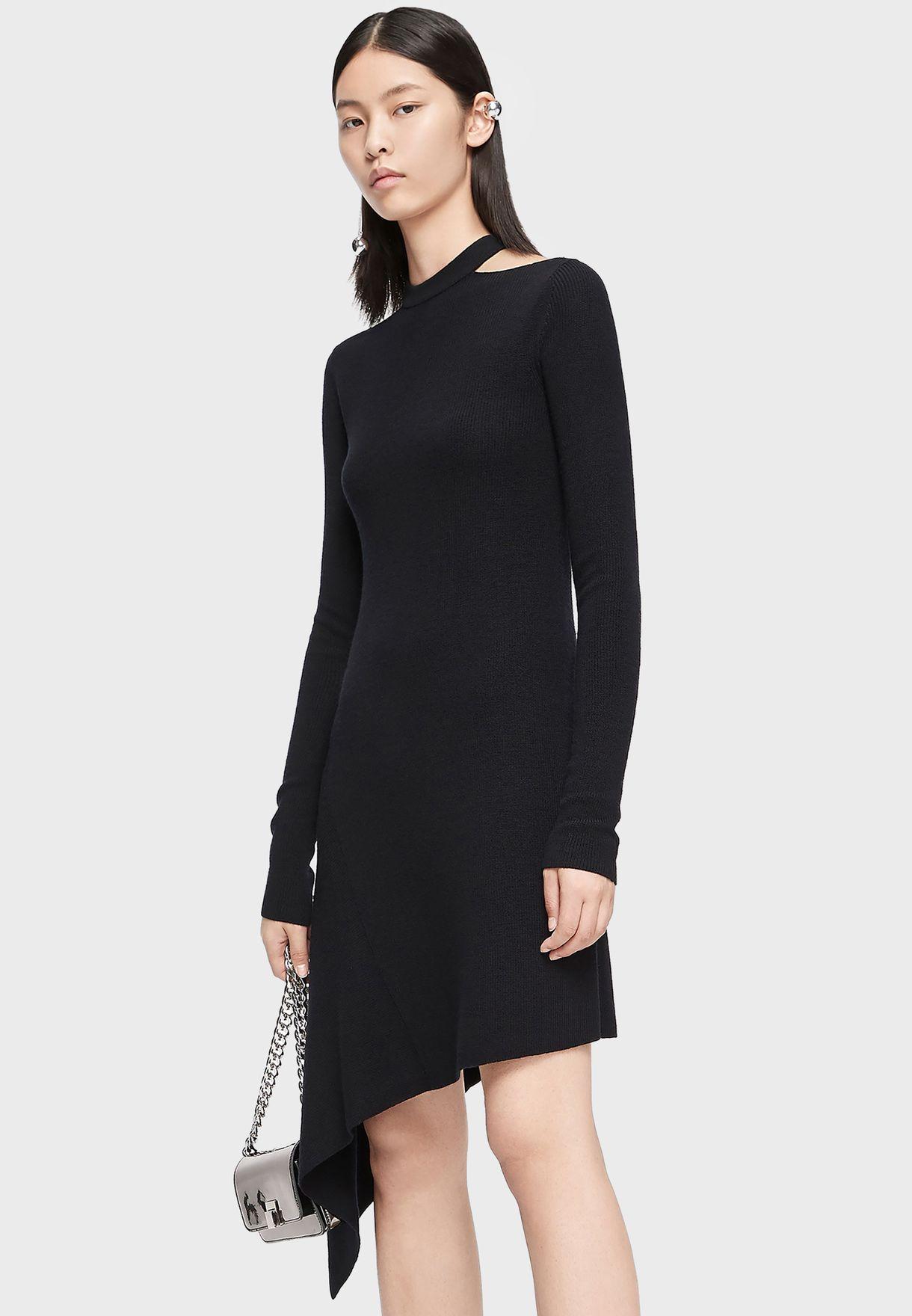 فستان بحافة متباينة طول