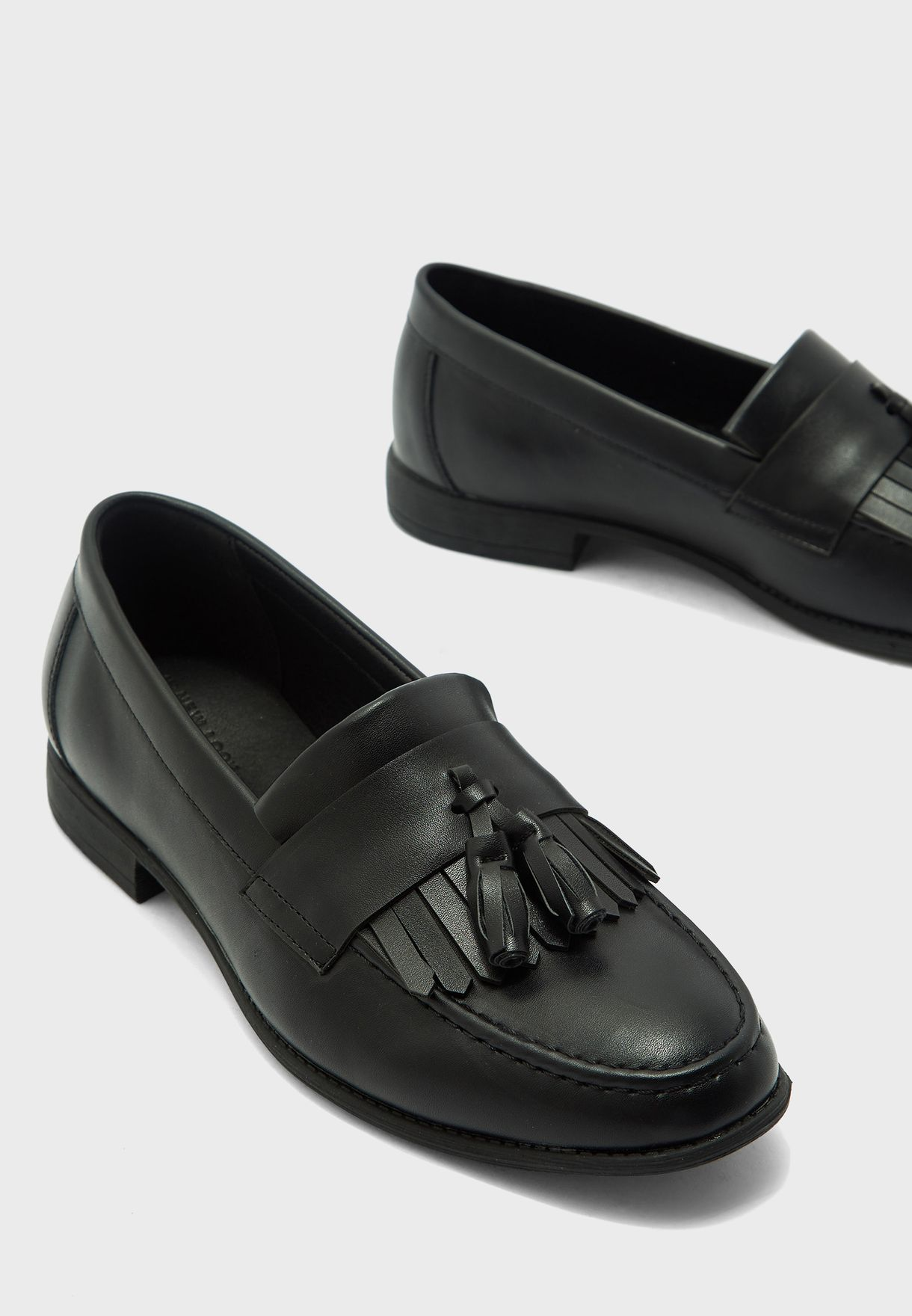75 Larry Tassel Loafers