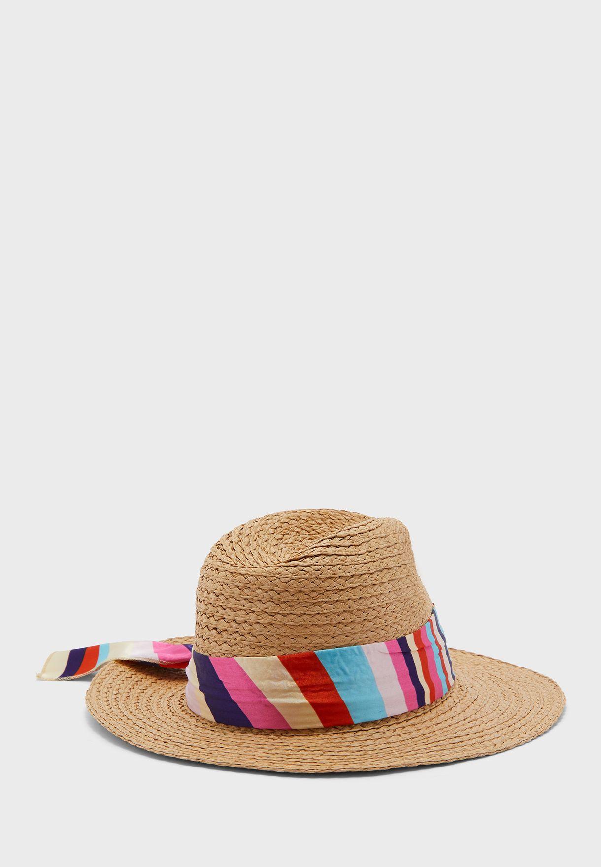 قبعة قش بوشاح