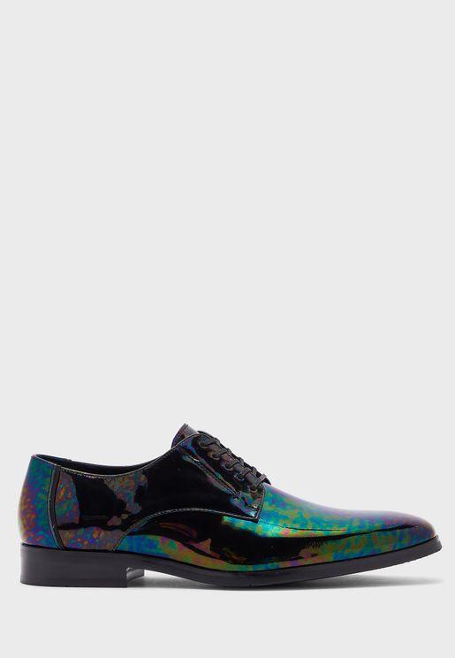 حذاء لامع باربطة