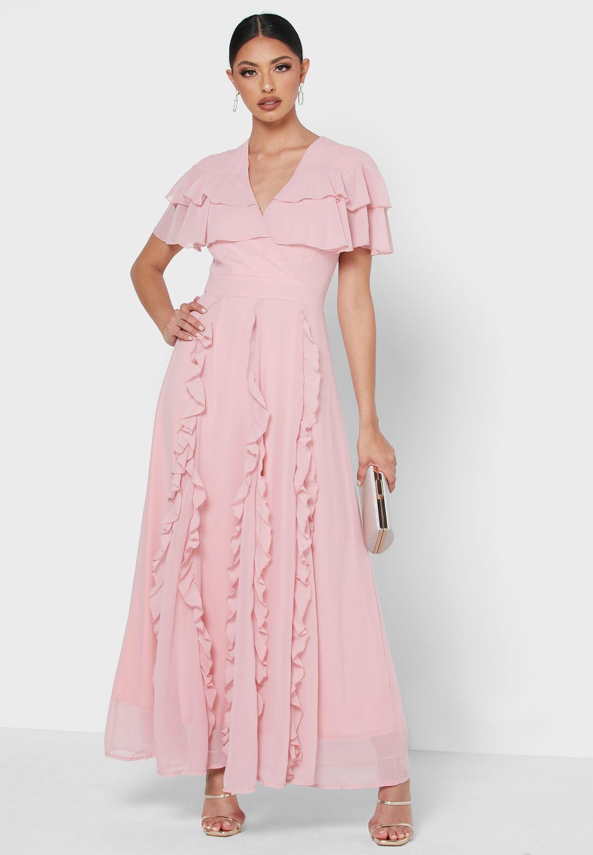 فستان بتفاصيل مكشكشة