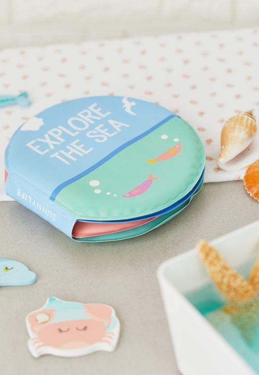 كتاب للاطفال مناسب للماء