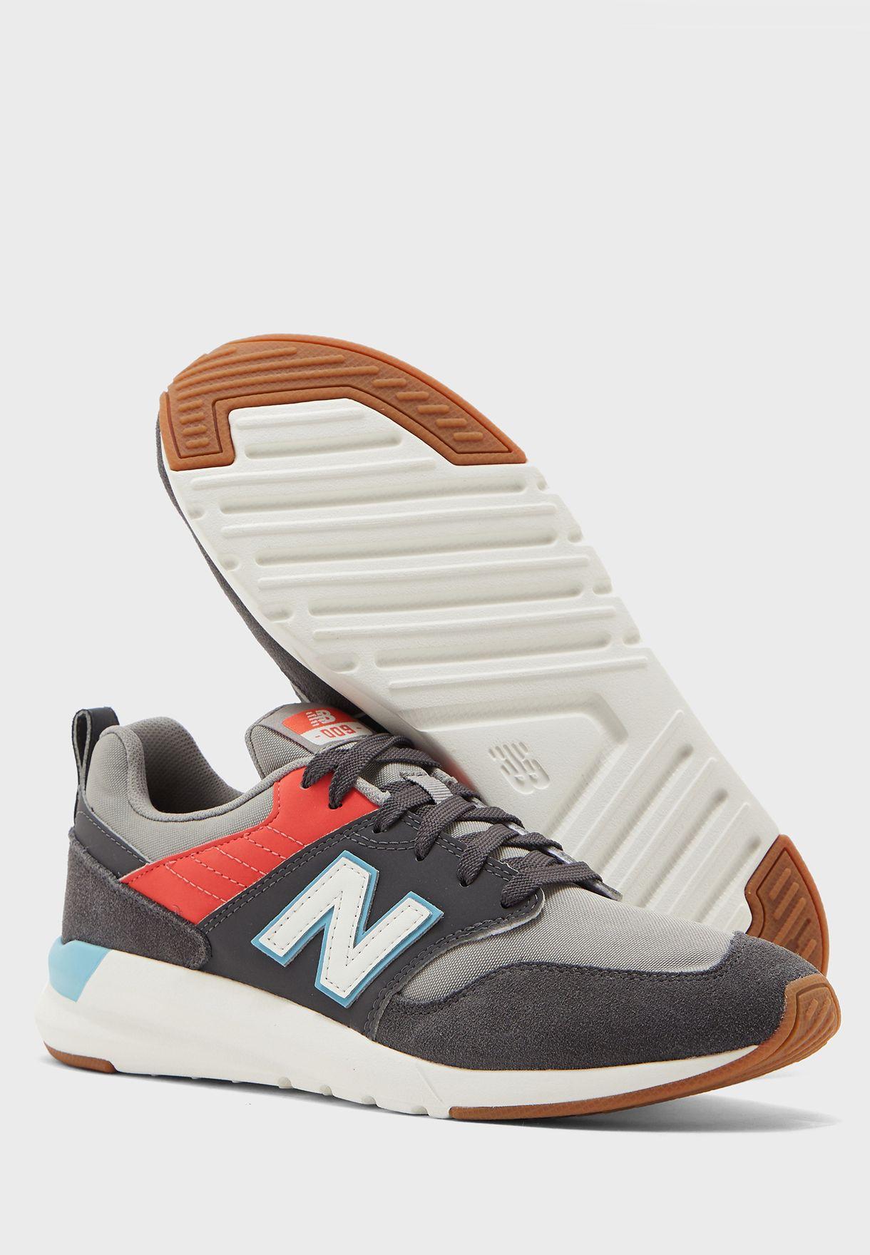 حذاء 9