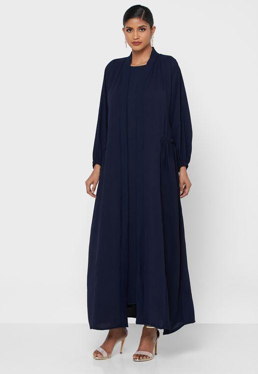 عباية مع فستان