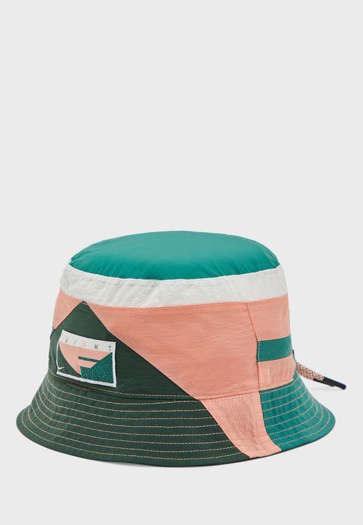 قبعة باربطة