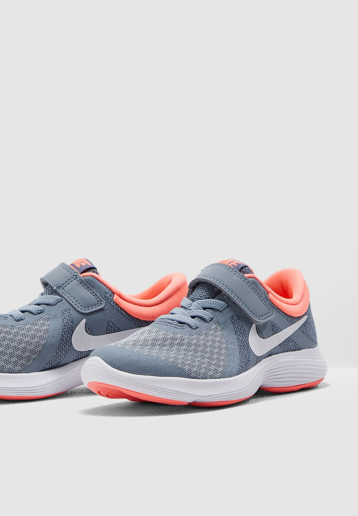 f26d87551303 Shop Nike grey Kids Revolution 4 943307-404 for Kids in UAE ...